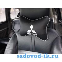 Подушка на подголовник Mitsubishi (черная)